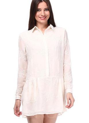 Новое платье с вышивкой