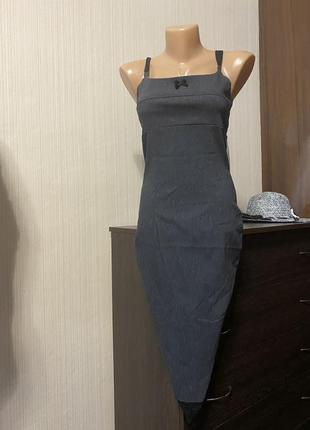 Шикарное серое платье миди с кружевом классика квадратный вырез