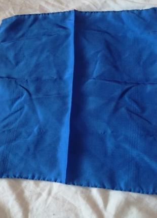 Шелковый карманный синий платочек