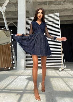 Блестящее мини платье с пышной юбкой