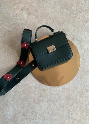 Зелёная маленькая сумка