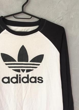 Оригинальный лонгслив от adidas originals