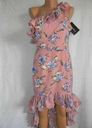 Новое стильное платье с оборками и цветочным принтом prettylittlething