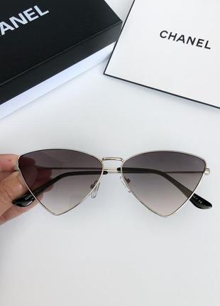 Женские брендовые солнцезащитные очки