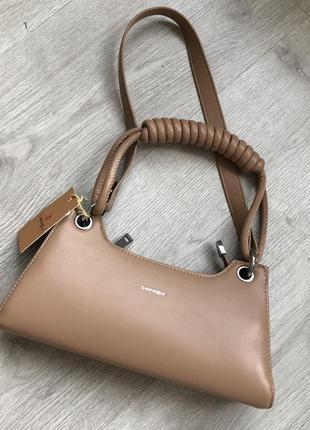Бежевая сумка багет