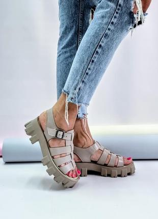 Туфли босоножки кожа на тракторной подошве р 36-40 шлепки шлепанцы сандалии туфлі босоніжки сандалі