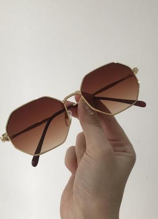 Коричневые многоугольные солнцезащитные солнечные очки в метал оправе градиент с переходом, коричневі сонячні окуляри