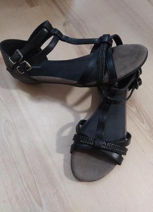 Красивые босоножки сандалии graceland 38р