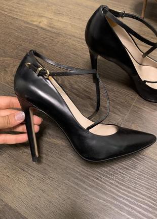 Кожаные туфли zara, 40p
