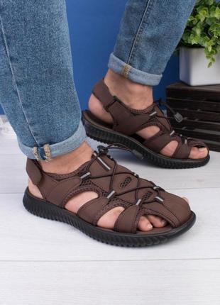 Мужские коричневые сандалии на липучке