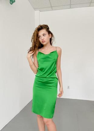 Роскошное платье комбинация из шелка армани зеленого цвета с декоративными брителями