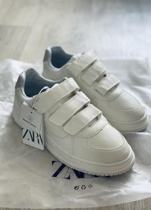 Белые кроссовки кеды на липучках zara