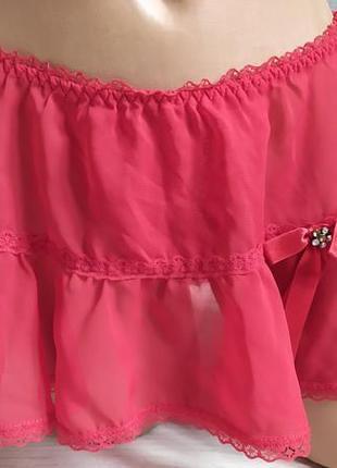 Стринги-юбка с вырезом.