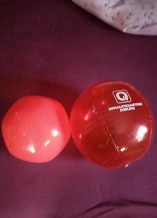 2 мячика по цене одного большие