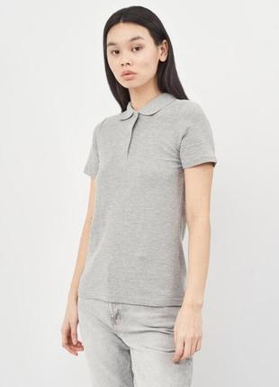 Базовая женская футболка поло с короткими рукавами с однофактурного трикотажного хлопкового полотна