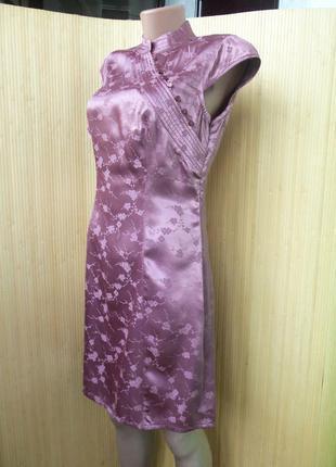 Атласное летнее платье с цветочным принтом и воротником2