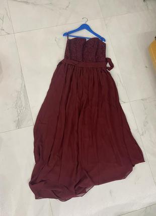 Вечернее платье цвета марсала
