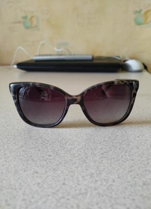 Оригинал стильные очки guess