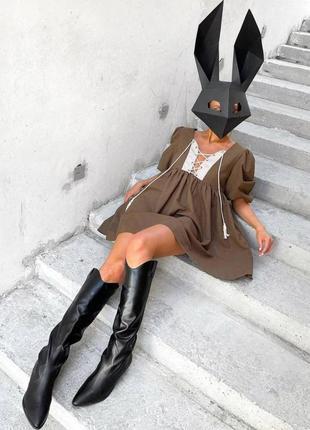 Платье с шнуровкой