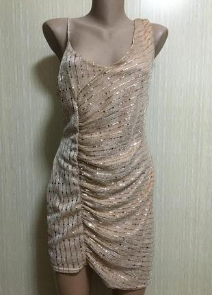 Ослепительно сияющее платье 16 р