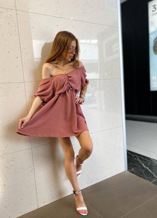 Женское платье, короткое платье