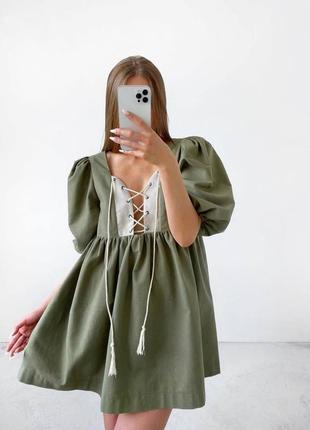 Льняное платье с шнуровкой
