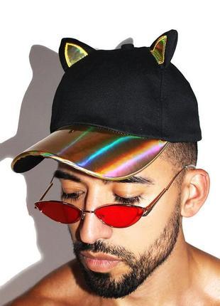Кепка бейсболка с ушками ушами кошка с голографическим козырьком хамелеон разноцветная