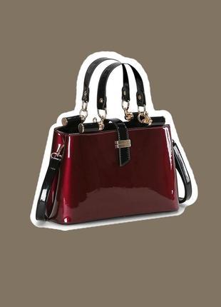 Базовая элегантная красная черная лаковая сумка бордо марсала с ручками