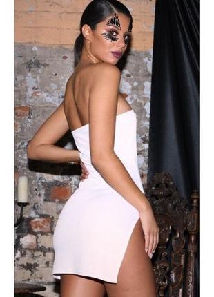 Белое платье бандо с вырезом в обтяжку мини юбка