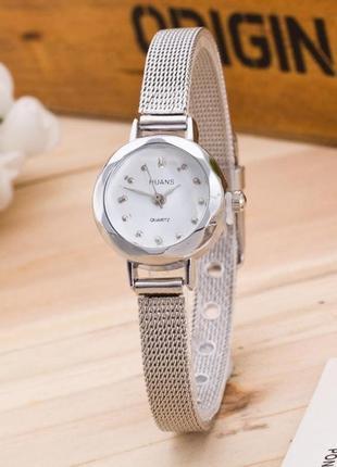 Женские маленькие металлические серебристые часы маленький сріблястий жіночий годинник