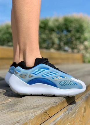 Кроссовки  adidas yeezy boost 700 v3 'arzareth'