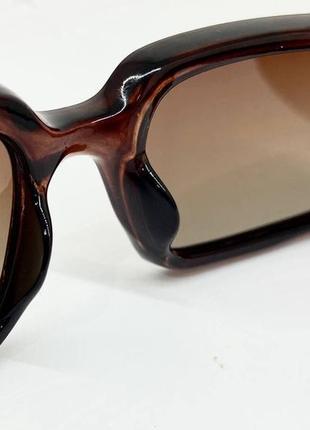 Очки женские солнцезащитные прямоугольные с поляризованными линзами и градиентом в коричневой оправе2 фото