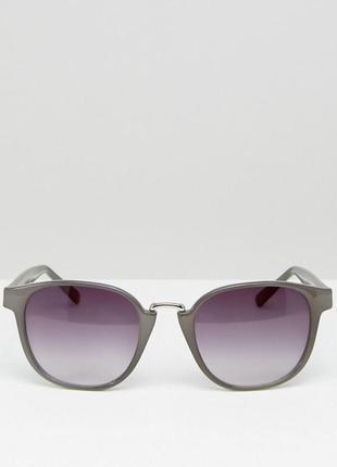 Серые солнцезащитные очки aj morgan