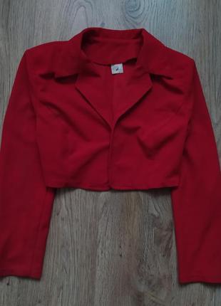 Укороченный пиджак красный кроп элегантный стильныйcrop