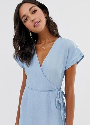 Голубое джинсовое платье на запах миди женское asos, размер m