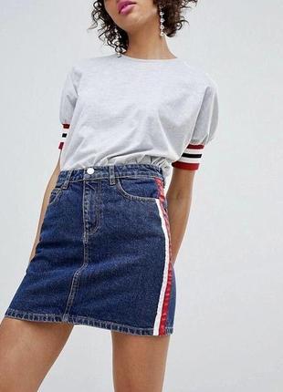 Акция! джинсовая мини юбка с лампасами темно синяя stradivarius