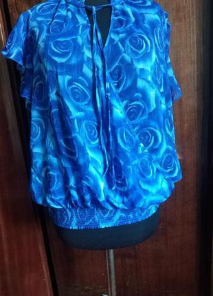 Блузка интересного пошива!