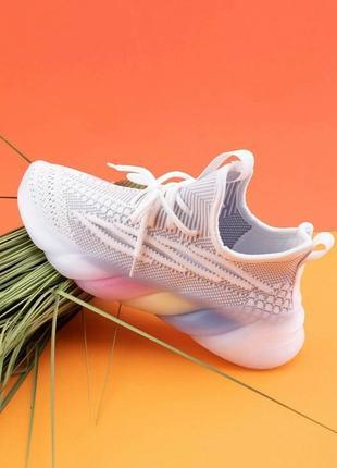 Женские кроссовки на шнуровке текстиль