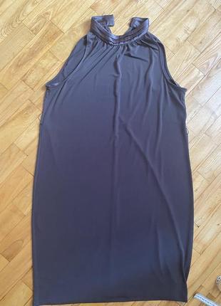 Плаття без рукавів