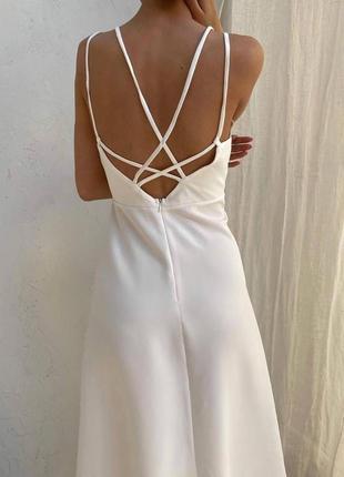 Шикарное  платье миди  с открытой спиной  миди
