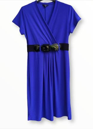 Стильное платье василькового цвета
