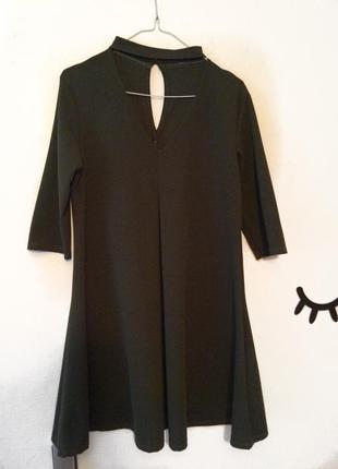 Плаття з чокером