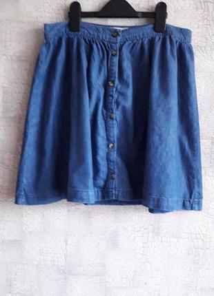 Классная юбка из легкой джинсовой ткани, 14 размера.