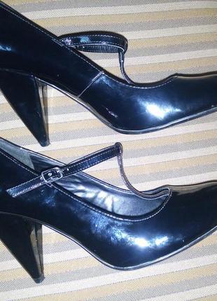 Лаковые туфли next