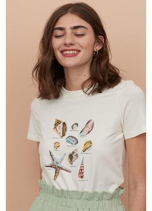 Стрейчевая бвзовая футболка топ с рисунком ракушки принт