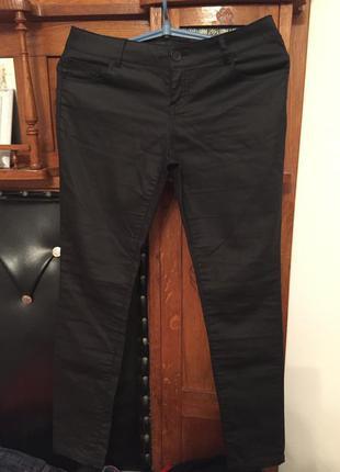Узкие брюки ( ткань иметирует кожу) р10