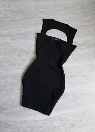 Чёрное бандажное вечернее платье