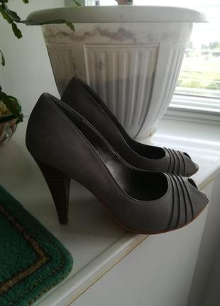 Туфли из натур. кожи.