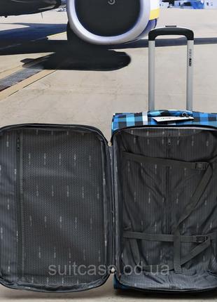 Качественные, очень легкие чемодан фирмы foxy-line10 фото
