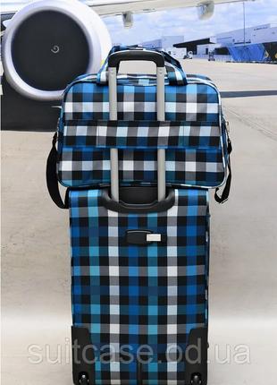 Качественные, очень легкие чемодан фирмы foxy-line3 фото